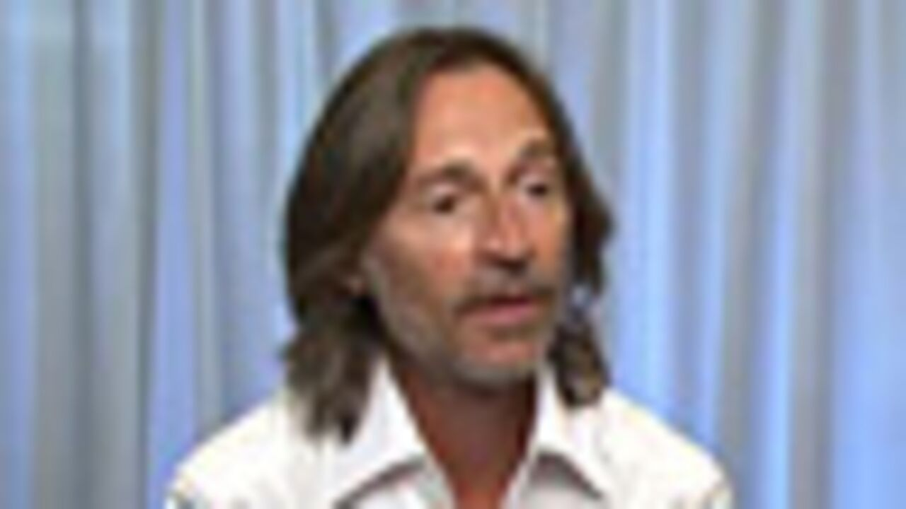 """Robert Carlyle dans """"Once upon a time"""""""