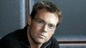 Michael Shanks dans Elysium