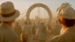 Dean Devlin revient sur le retour de Stargate