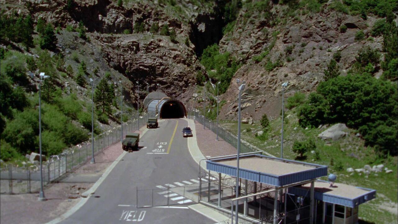 Entrée du SGC (Cheyenne Mountain Complex)