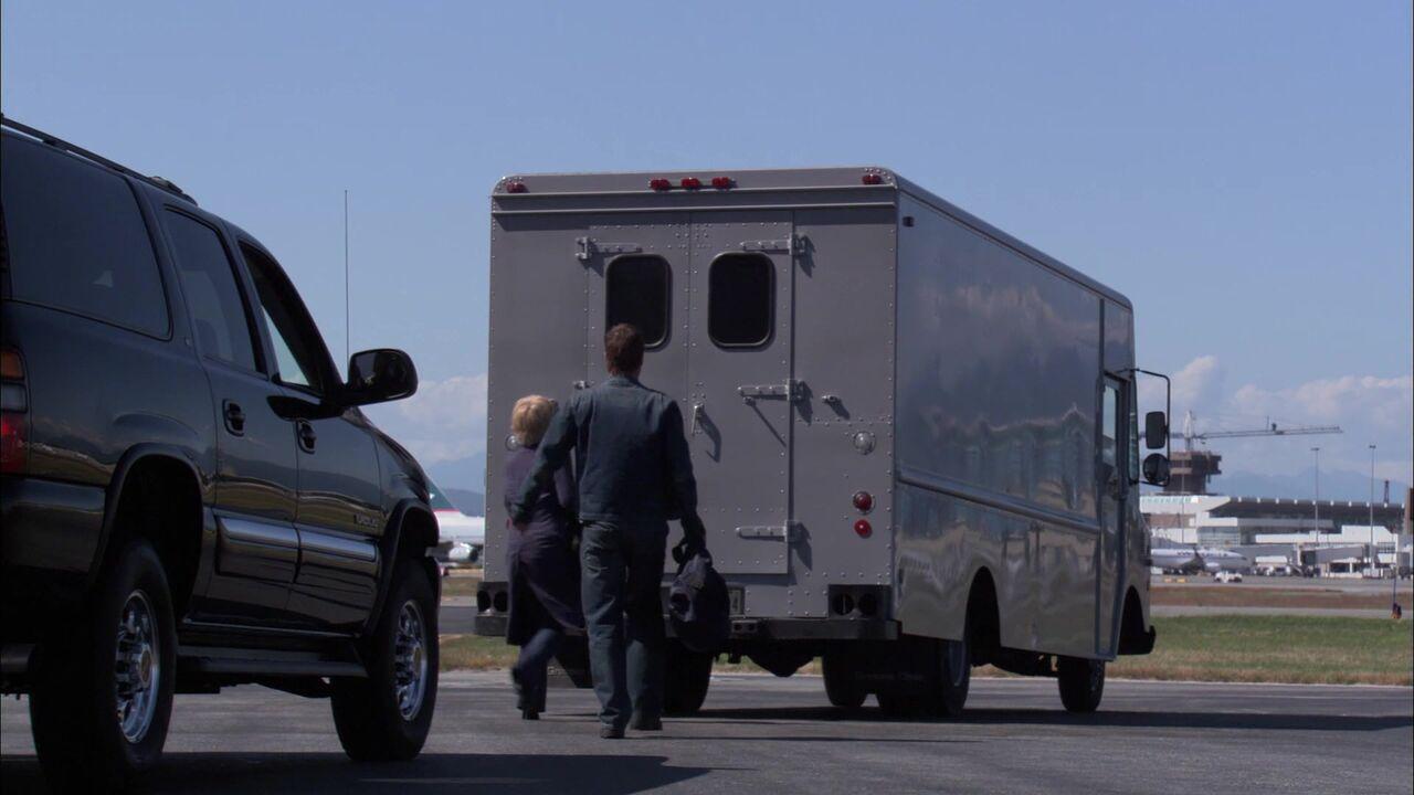 Camion de surveillance / Base de l'US Air Force
