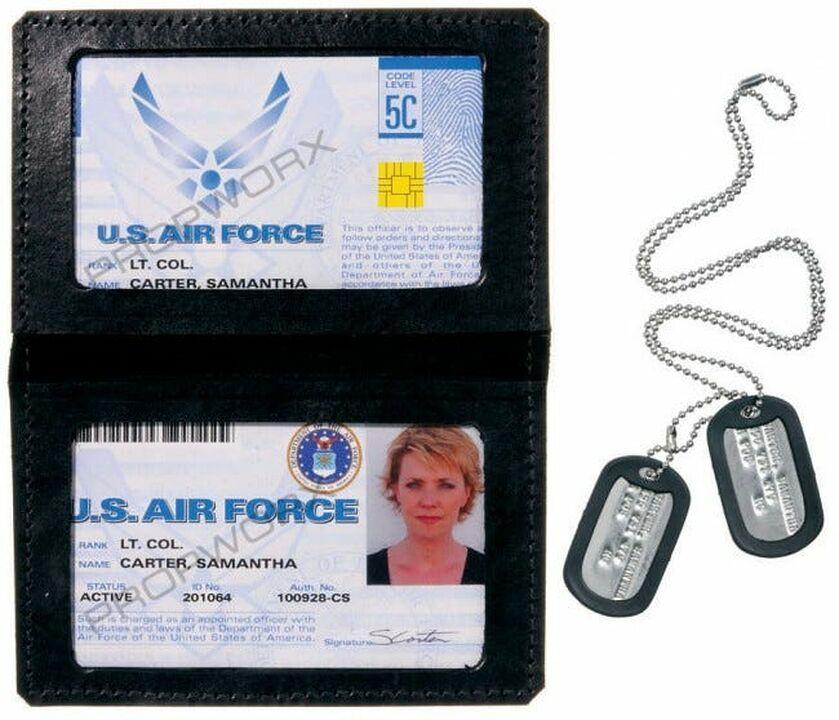 Badget + plaques militaires de Carter